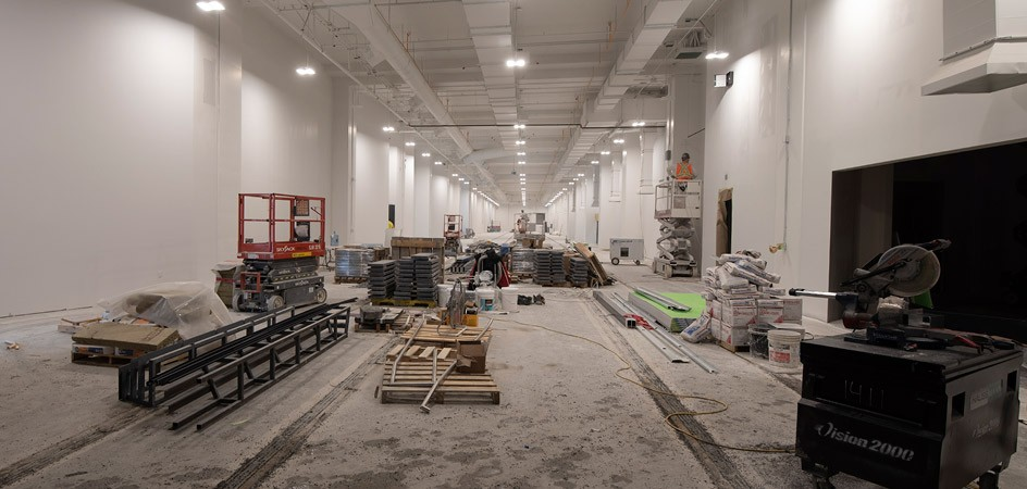Eight locomotives will be housed on the first floor on embedded rails (February 2019)