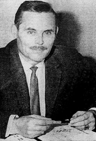 "Jacques Lebrun. Claude Asselin, ""Selon le professeur Jacques Lebrun 'Les lunautes peuvent comme à la maison, se raser en caleçon.'"" Photo-Journal, from 17 to 23 November 1969, 7."