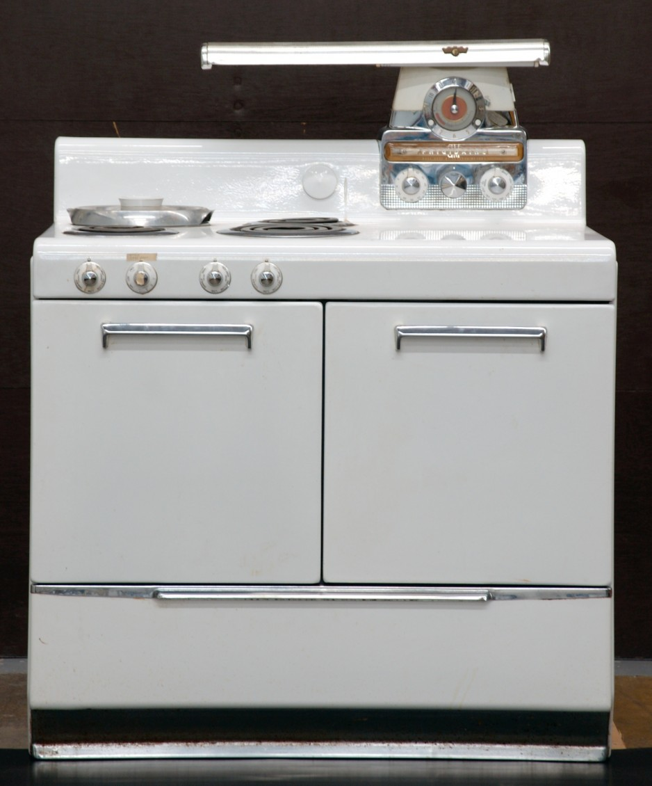 Electric range designed by Raymond Loewy, Frigidaire Home Products, late 1940s