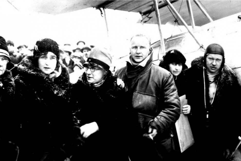 Wop May (right) and Vic Horner (left) on return from Mercy Flight