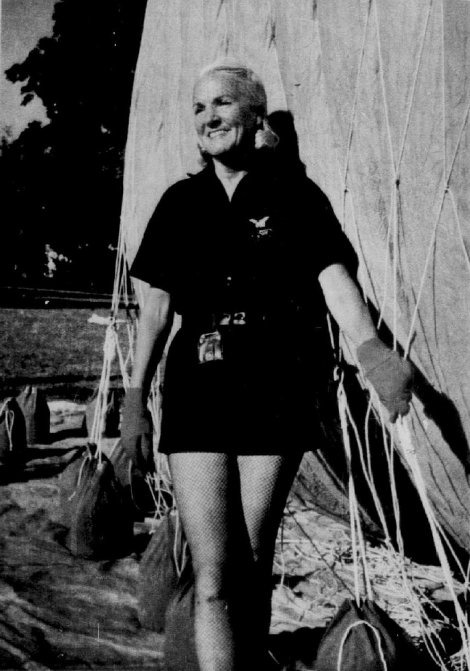 "Constance Cann Wolf besides one of the gas balloons she loved so much. Russell Sparr, ""Elle 'joue' au ballon à l'ère des fusées."" Le Soleil – Perspectives, 14 November 1959, 6."
