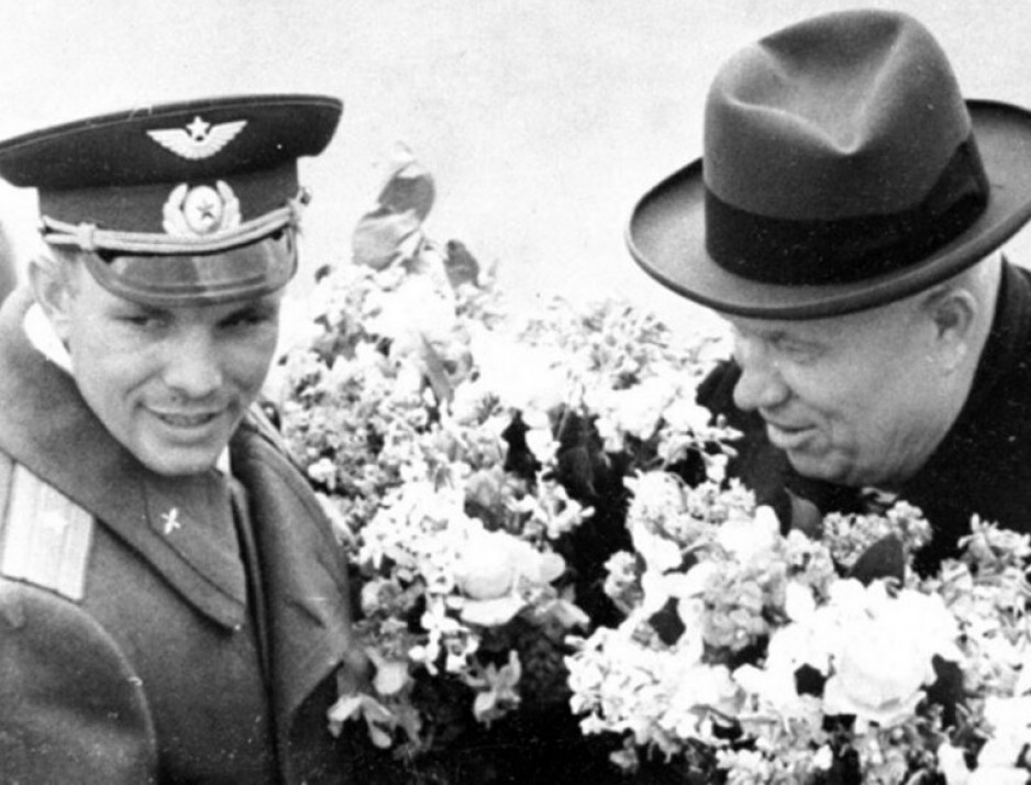 "Gagarin and the first secretary of the central committee of the Kommunisticheskaya Partiya Sovetskogo Soyuza, Nikita Sergeyevich Khrushchev, Vnukovo international airport. Anon., ""Défi pacifique de 'K' aux États-Unis – Moscou fait un triomphal accueil à Gagarine."" La Presse, 14 April 1961, last edition, 24."