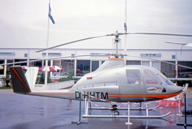 The one and only Helicopter Technik München Skyrider on display at the XXXe Salon international de l'aéronautique et de l'espace, at Le Bourget, Paris, France, in 1973. https://en.wikipedia.org/wiki/HTM_Skytrac.