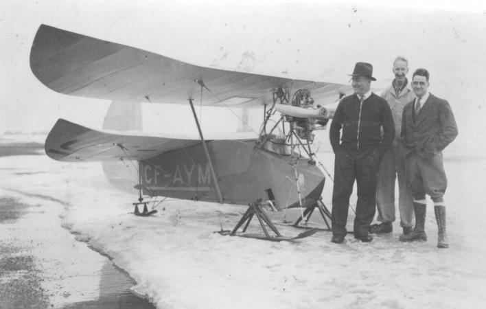 The Mignet HM-14 Pou du Ciel made by George S. Lace, on the right in the photo, but registered in the name of doctor Georges-Étienne Millette, on the left. CASM, negative number 5212.