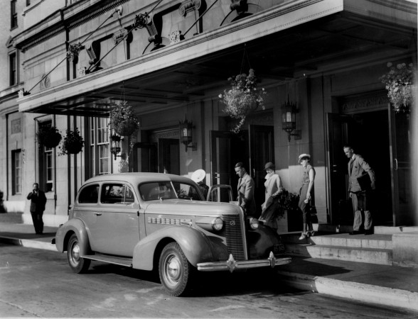 Entrance to the Nova Scotian Hotel, Halifax, NS, 1937
