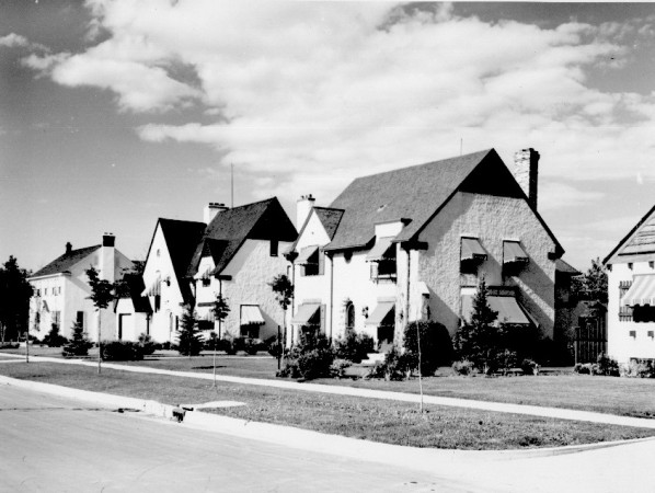 Photograph of houses on a street in Tuxedo Park, Winnipeg