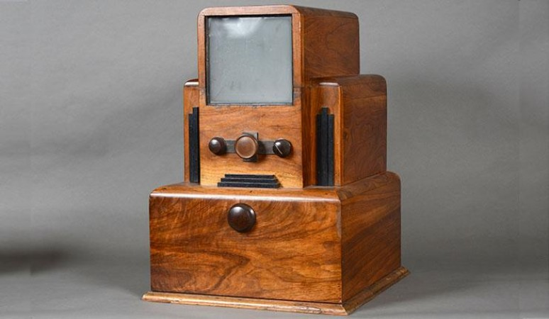 Television prototype made by Joseph-Alphonse Ouimet in 1932. Source: Tom Alföldi; CSTMC 1969.1044