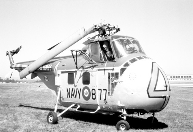 Sikorsky S-55 HO4S-3 with the rotor blades down