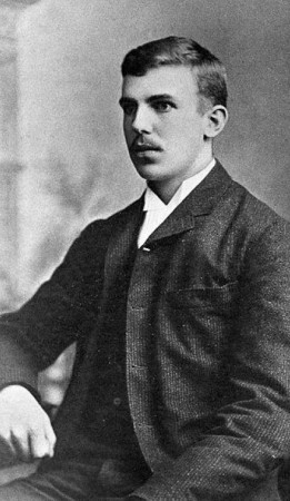 Ernest Rutherford à 21 ans. Source : Wellcome Library.