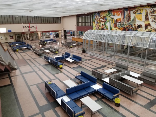 A view of the international terminal from the mezzanine.
