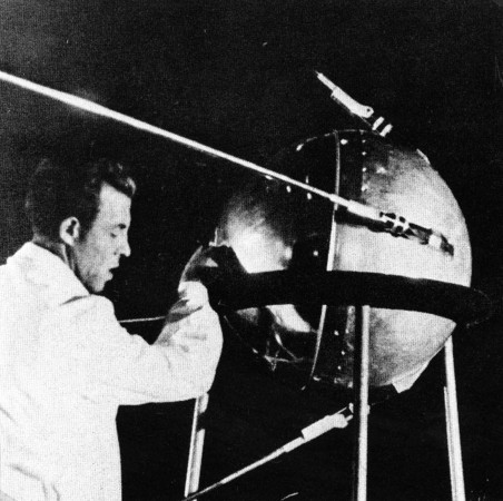 The simplest satellite or PS-1 spacecraft, in other words Sputnik I, a little before its launch, September 1957. NASA.