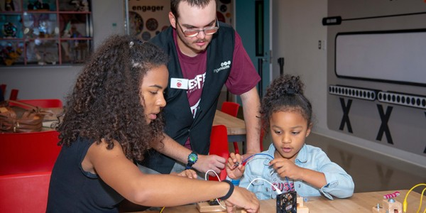 Volunteer at the Canada Science and Technology Museum