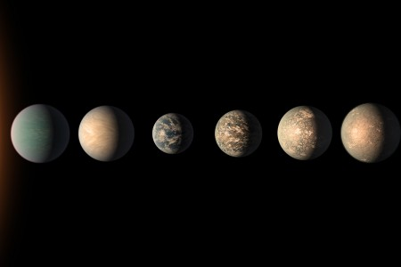 An artist's impression of the TRAPPIST-1 exoplanetary system
