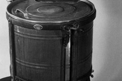 The Beatty model A was Canada's first electric washing machine with an agitator. Source: Ingenium 1968.0399