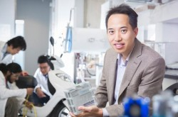 Zhongwei Chen: Canada Research Chair in Advanced Materials for Clean Energy and member of the Waterloo Institute for Nanotechnology and the Waterloo Institute for Sustainable Energy